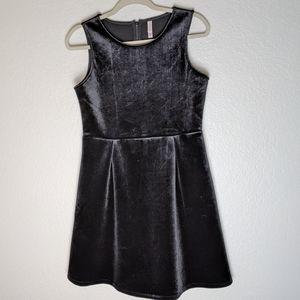Xhilaration black Velvet shift dress. Sz 14/16